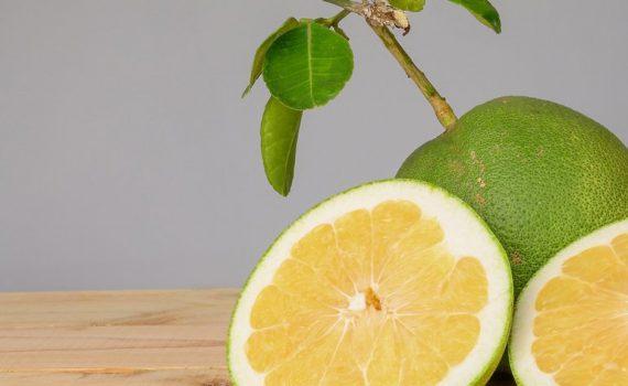 pomelo-korzysci-owoc
