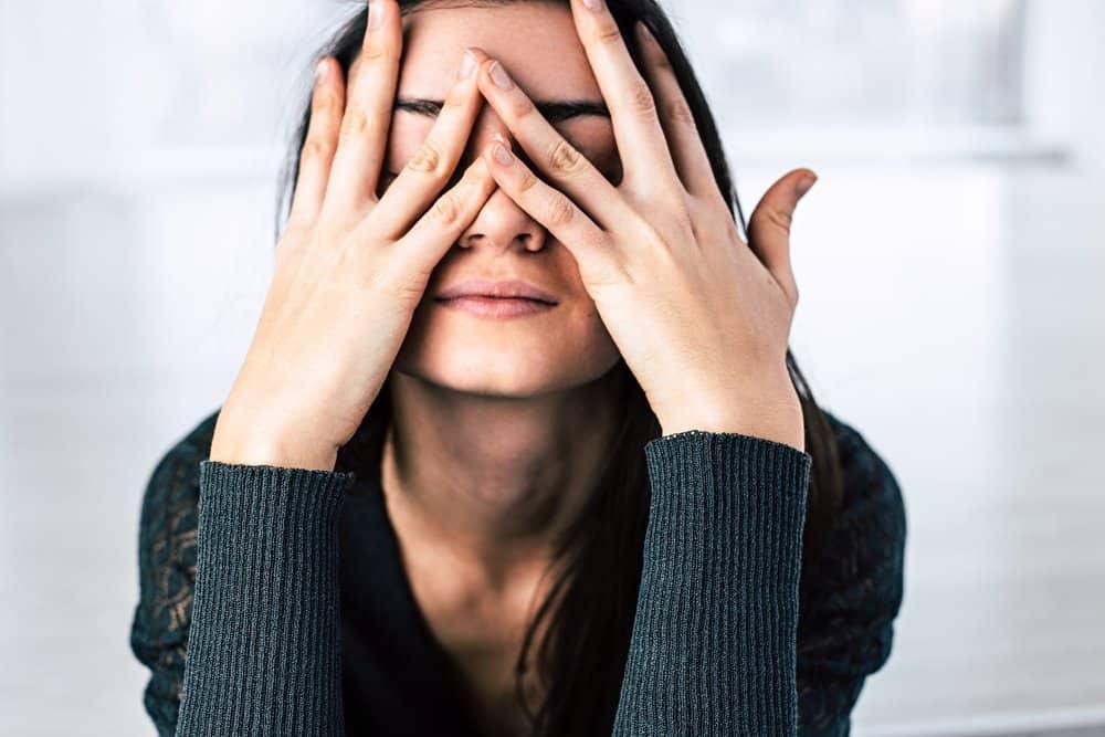 Stres chroniczny zwiększa ryzyko zawału serca, choroby serca i udaru mózgu.