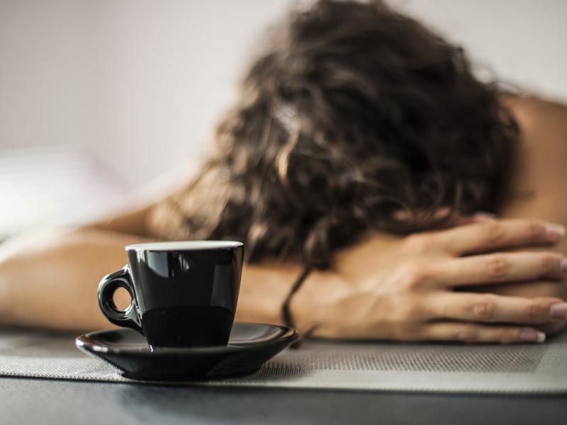 Czym jest narkolepsja i w jaki sposób objawia się ta choroba?