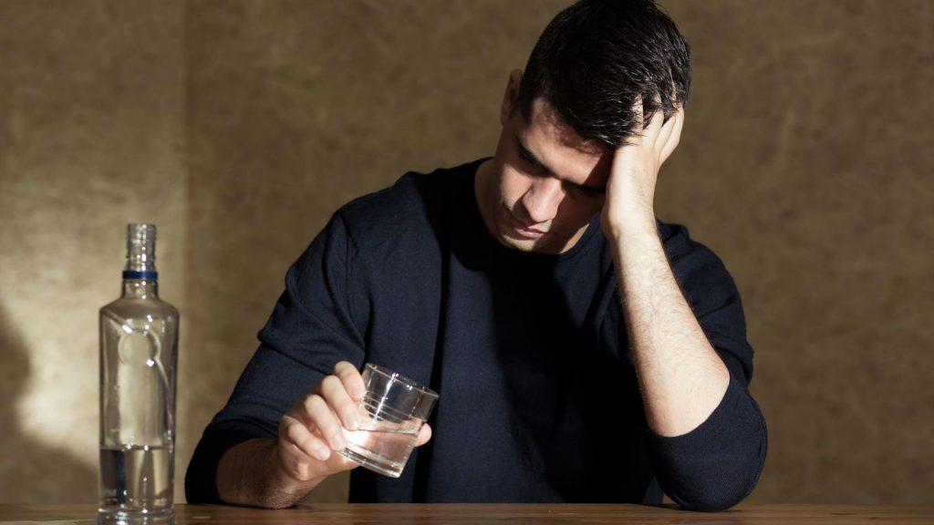 Zatrucie alkoholem - jak wygląda i w jaki sposób alkohol oddziałuje na organizm?